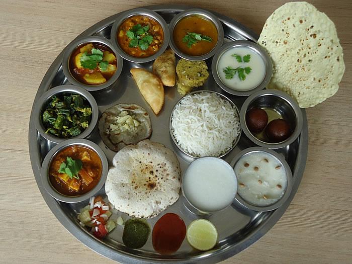 Rasthal Authentic Gujarati Thali Restaurants In Barod